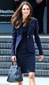 kate-middleton-with-mulberry-handbag